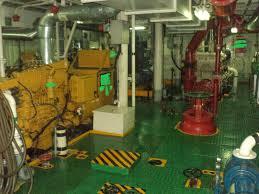 kamar mesin kapal
